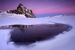 Anayet egunsentia baino lehen (jonlp) Tags: winter mountain snow nature landscape dawn nieve amanecer invierno montaa pyrenees elurra pirineos mendia anayet pirinioak negua paisajea