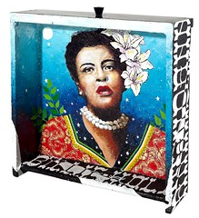 Boxset Billie Holiday, uma das peas na amostra. (anandanahu) Tags: africa street new brazil urban woman black records flower art nova rio brasil modern female painting de graffiti cool stencil soft paint gallery janeiro bresil power arte african feminine album kunst great galeria arts galerie exhibition spray copacabana master cover artistas painter tropical salvador urbana brazilian neo sa ananda marcio carioca forte moderna pintura pintores painture artista nordeste exposio urbain brasileira montagem firme contemporany nordestino mfr nordestina graphos tropicalismo nahu izolag tropicalista armeidah