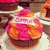 Giant Cupcake !!! Bellísimo  solo en #sweetcakesstore #sweetcakesve #lecheria #venezuela #giantcupcake #bakery #cupcakery #yummy #delicious #cute #love #instalove #instagramers #3000followers (Sweet Cakes Store) Tags: cakes valencia giant square de cupcakes yummy y venezuela tienda cupcake squareformat rosas gigante torta regalo tortas lecheria sweetcakes ponques iphoneography faralados instagramapp uploaded:by=instagram sweetcakesstore sweetcakesve