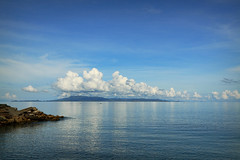 Dividers (315Edith) Tags: mountain clouds philippines catanduanes breakwater 500d 1755mm blueskysea