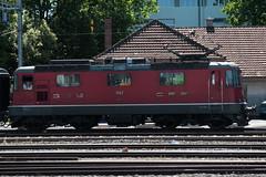SBB Lokomotive Re 4/4 II 11147 ( Hersteller SLM Nr. 4679 - BBC MFO SAAS - Baujahr 1967 mit Scherenstromabnehmer ) am Gterbahnhof Bern Weyermannshaus bei Bern im Kanton Bern der Schweiz (chrchr_75) Tags: christoph hurni chriguhurni chriguhurnibluemailch chrchr chrchr75 august 2016 august2016 bahn eisenbahn schweizer bahnen zug train treno albumbahnenderschweiz2016712 albumbahnenderschweiz albumsbbre44iiiii lok lokomotive sbb cff ffs schweizerische bundesbahn bundesbahnen re44 re 44