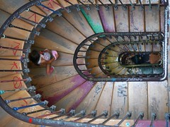 colorful stairs and colorful girl (Thierry.Vaye) Tags: 59ruederivoli squatt stairs escalier coloré couleurs