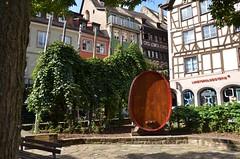 Tonneau gant - place des Tripiers  Strasborg (Zphyrios) Tags: strasbourg centre france hommage vigne tonneliers vins alsaciens tonneau geant place des tripiers nikon d7000 alsace capitale europe franais
