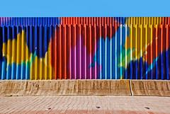 ... Un muro de colores ... (Lanpernas 2.0) Tags: colores colors muro streetart mercadotecnia isladelacartuja seville seviila