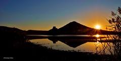 Lac du Salagou 7h11mn (Dominique Dufour) Tags: salagou lacdusalagou languedocroussilon lac leverdesoleil contrejour dominiquedufourphotos fujis5pro paysage