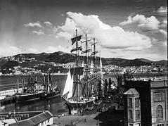 133; Sailing Ship, Pamir, moored at the Inter Island Wharf - Circa 1940 (Wellington City Council) Tags: wellington historicwellington 1800s 1900s 1950s