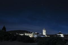 Pueblo y estrellas (B.rufo) Tags: nocturnas estrellas plazapueblo