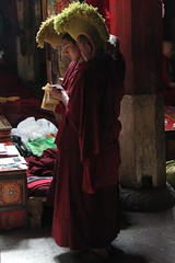The Yellowhats confer (10b travelling) Tags: china two asian temple asia buddhist pair monk buddhism tibet monastery dos himalaya samye sect zwei himalayas templo himalayan tempel 2010 yellowhat tsetang peopleset carstentenbrink iptcbasic