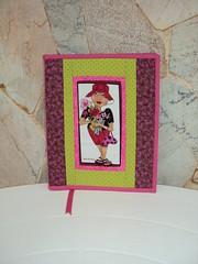 CAPA PARA LIVRO (Atelier Panos e Retalhos) Tags: pink quilt handmade sewing rosa fabric cotton livro patchwork tecido costura bolsinha retalho feitoamo artesanatocomretalho trabalhoempatchwork arteempatchwork