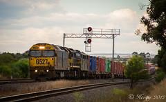 Broad Gauge Power (Henrys Railway Gallery) Tags: up fruit train flyer pacific loco australia national lara locomotive fruity freight locomotives mildura gclass freighttrain aclass freightaustralia pacificnational xclass x39 9102 a78 g527 rpauvicgclass2 rpauvicgclass2g527 railpage:class=4 railpage:loco=g527 railpage:livery=23