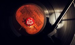 Soy Amada (A.Robillard) Tags: life love apple photography still nikon artistic album vinyl it turntable spanish be reco