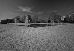 El Templo de Debod_blanco y negro (anmamube) Tags: madrid nikon tokina 28 templo debod 1116 d300s