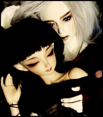 Willow and Vincent (serenity jenny) Tags: love ball couple doll dolls mini romance elf soul bjd relationships fairyland joint eliya fee vito jointed bjds souldoll minifee sharics