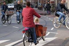 Fiets: Mama Bakfiets, Leidesplein, Amsterdam