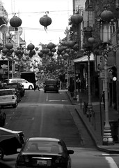 Streets of Chinatown - b&w (Heather's Reflections Photography) Tags: chinatown sanfrancisco california northerncalifornia streets busy cars traffic city thecity bayarea touristspot californiastreet