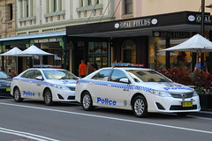 BV-08-EM(AU), The Rocks, Sydney, September 14th 2014 (Suburban_Jogger) Tags: bv08em sc45 toyota camry nsw newsouthwalespoliceforce emergencyvehicle policecar pandacar bluelights patrolcar georgestreet therocks sydney newsouthwales september 2014 spring canon 60d 1855mm transport vehicle