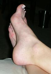 teresa024 (J.Saenz) Tags: feet foot pies fetichismo podolatras pieds mujer woman dedo toe pedicure nail ua polish esmalte pintada toenail planta sole barefoot descalza