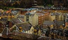 Criss-crossed living spaces (Tazmanic) Tags: edinburgh scotland urban city dwellings buildings color homes view