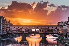 Ponte Vecchio (Florencia) (Ivan_Sanchez) Tags: pontevecchio puente arno sunset atardecer firenze florence florencia