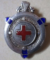 Irish Red Cross silver badge (c.1943) (RETRO STU) Tags: irishredcross ireland humanitarian silverbadges enamelbadge segalsonsilversmithsofdublin