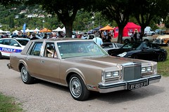 Lincoln Town Car (seb !!!) Tags: lincoln town car 2016 auto automobile automovel automovil automobil berline canon 1100d cars anciennes ancienne old oldtimers populaire seb france voiture wagen american america americaine amerique usa us united state photo picture foto image bild imagen imagem beige bege classique classic klassic mantes la jolie festival show marron brown marrom marrone braun or gold oro ouro