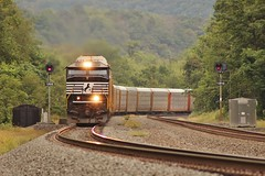 15J @ Newport (Clear333track1west) Tags: emd sd60e ns6950 train trains railroad railway norfolksouthern pitl pittsburghline signal