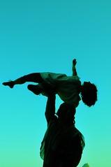 Heaven (Fernanda Tomaz) Tags: blue azul heaven circo body circus céu corpo