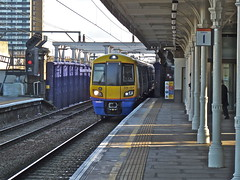 378227 At Camden Road (Deepgreen2009) Tags: london station train platform railway unit camdenroad 378 londonoverground