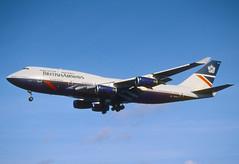 158dt - British Airways Boeing 747-400; G-BNLU@LHR;27.10.2001 (Aero Icarus) Tags: plane aircraft flugzeug britishairways jumbojet avion lhr slidescan boeing747400 londonheathrow gbnlu landorcolours