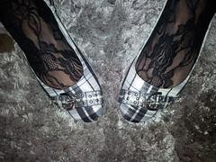 2013-01-01 12.36.28 (sandalettes) Tags: exhibition chienne pied bas chaussures humiliation vernis sandales ftichisme sandalettes
