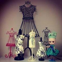 New girl with no name  hangin out with my mom collection of mini busts forms #blythedoll #blythe #blythestagram #instablythe #dolls #trudolly #trustudio #kawaii