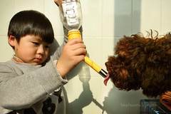 _MG_4132 (baobao ou) Tags: family boy kids funny asia child 52weeks familygetty2011