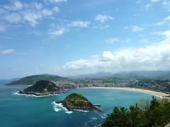 The bay at San Sebastián (Karl Hamilton) Tags: travel sea beach bay spain day cloudy sansebastian donostia