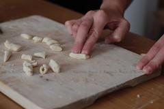 RaScatiedd' - step 3 of 5 (Rakel Reds) Tags: wood food cooking kitchen lunch italian hands pasta homemade mano legno pranzo sundaylunch cucinare pastafattaincasa pastafattaamano pranzodelladomenica rascatiedd farinaacqua