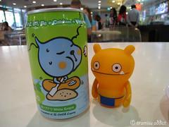 Ugly Drink (tiramisu_addict) Tags: toys singapore drink vinyl minifigs qoo uglydolls wage davidhorvath sunminkim whitegrape