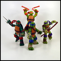 1 Year In A Toybox 2, 239_366 - Teenage Mutant Ninja Turtles (Corey's Toybox) Tags: teenagemutantninjaturtles tmnt ninjaturtles playmates actionfigure figure toy nick nickelodeon 2012 donatello donnie leonardo leo michelangelo mikey raphael raph 1yearinatoybox2