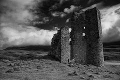 Ardvreck Castle (Smi_Madani) Tags: scotland vereinigtesknigreich highlands schottland lochassynt ardvreck ardvreckcastle castle mcleods blackwhite blackandwhite bw blackwhitephotos