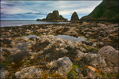 Beach near Dunnottar Castle / Scotland (guenterleitenbauer) Tags: 2016 5d april austria canon guenter gnter juli landscape leitenbauer urlaub wels bild bilder britain brittanien burg castle city flickr foto fotos great image images july key landschaft photo photos picture pictures ruine schottland scotland stadt town wasser water wwwleitenbauernet sterreich beach dunnottar strand ebbe low tide