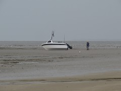 3535 So how did this get here? (Andy panomaniacanonymous) Tags: 20160818 aaa anglersboat bbb beach boat kent littlestoneonsea romneysands sand sss