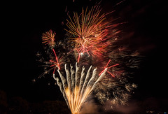 DSC_0694.jpg (aussiecattlekid) Tags: carnivalofflowers toowoomba allfiredupfireworks aerialshells mines fireworks pyrotechnics pyro bangboomcrackle fancakes multishot multishotcakes