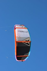 windsurfing kite. (rogerlloydwilliams) Tags: rogerwilliams rogbrynllys sealion llandudno boats colour sky feeding hand water zoo colwynbayzoo seaside tram tramway greatorme rhosneigir windsurfing rough sea kite kites blue anglesey rhosneigr2592016
