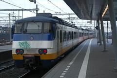 SGMm 2137 & 2115 ([Publicer Transport] Ricardo Diepgrond) Tags: ns sgmm 2137 2115 trein stadsgewestelijk materieel modern sprinter vlavlip utrecht centraal