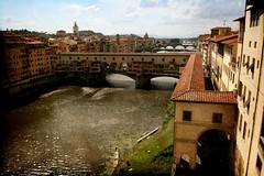 Todo sobre Florencia (Manuel Gayoso) Tags: textura rio puente botes italia florencia arno toscana corredor pontevecchio tejas renacimiento corredorvasari