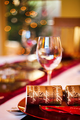 (drfugo) Tags: christmas tree glass table wine bokeh warmth plates cracker ts cutlery tiltshift canon5dmkii arsenalvolna3mc80mmf28