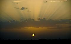 Also sprach Zarathustra (Korz 19) Tags: light sunset sky france clouds nikon lumire 100v10f explore ciel d200 nuages coucherdesoleil rayons explored