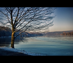 Winter in Essen (Germany) / Baldeneysee (Photofreaks) Tags: schnee winter snow essen district ruhr ruhrgebiet baldeneysee bestcapturesaoi elitegalleryaoi adengs wwwphotofreaksws shopphotofreaksws