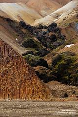 shs_n8_008065 (Stefnisson) Tags: autumn fall landscape iceland iron columns ravine column gil rhyolite bog haust sland basalt stulaberg landmannalaugar columnar fjallabakslei fjallabak jkulgil lpart liparit mraraui jokulgil fjallabaksleid stefnisson ljsgrti rhlt jrnox