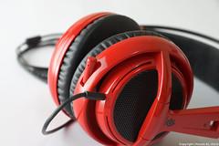 Headphones steelseries (Hosam AL-Hwid) Tags: light red black sony headset gaming siberia pro headphones mic v2 msi a77 hosam steelseries alhwid