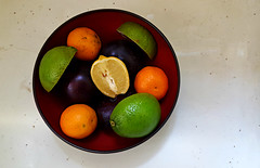Fruit Bowl (Studio d'Xavier) Tags: fruitbowl stilllife fruit round circle availablelight