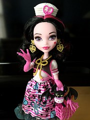I've never been a big Lala fan. I think before the reboot I had maybe 3 of her dolls. But DAMN this reboot is great on her!! Like, I think this may be one of the favorite Draculaura dolls, give and take all the pink though...but still lol (Venus_Forever) Tags: shriekwrecked draculaura 2016 reboot new mattel doll dolls high monster